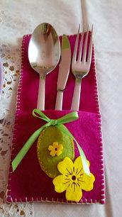 Porta posate Pasqua pannolenci fucsia decorazioni tavola Pasqua con uovo fiocchetto fiore