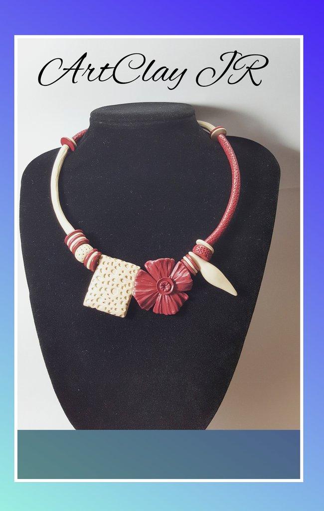 Collana romantica realizzata completamente a mano in pasta polimerica (fimo)