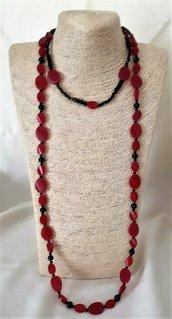 Collana rosso rubino e nero onice, con 1 filo corto girocollo ed 1 filo lungo laccio