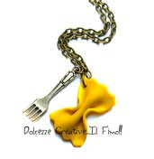 Collana Pasta - farfalle con forchetta - idea regalo in fimo e cernit - miniature kawaii - cute -