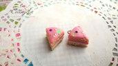 Fetta di torta rosa ciondolo 15 mm. pendente fimo materiale dolci kawaii bigiotteria bijoux