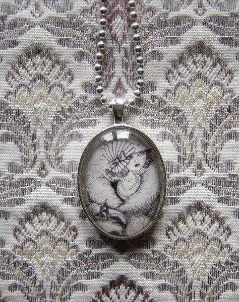 Old fashioned-Pendaglio ovale con la catena