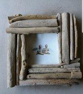 Cornice con legno spiaggiato