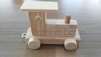 Trenino in legno con nome