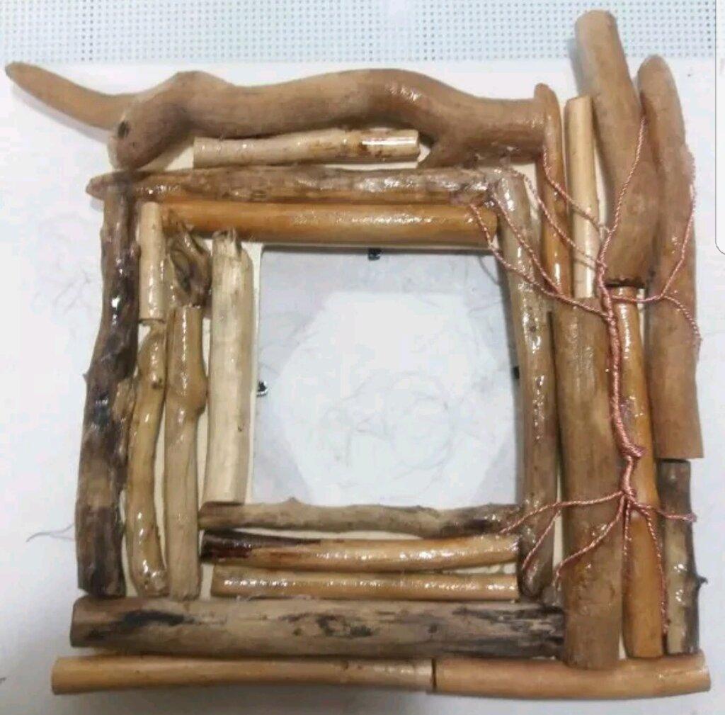 Cornice da tavolo con legno spiaggiato e albero della vita in rame