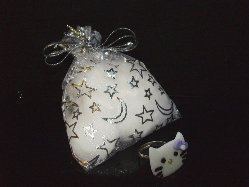 Anello HELLO KITTY + confezione, idea regalo San valentino