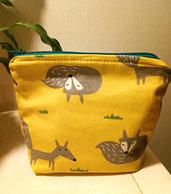 Astuccio volpine giallo con cerniera a base rettangolare interno pannolenici giallo, super cute! super morbido!