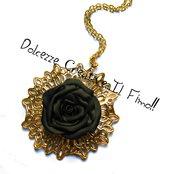 Collana Cammeo color oro Con rosa nera - idea regalo - elegante - fimo e cernit