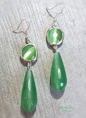 Orecchini con pietra naturale verde