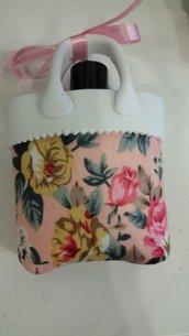 borsetta a fiori con smalto rosa