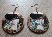Orecchini BACIO. Orecchini dipinti a mano. Orecchini in legno. Il Bacio di Gustave Klimt. Arte da indossare. Idea regalo