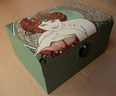 Dipingere Portagioie Di Legno : Cofanetto mucha scatola in legno dipinta a mano portagioie