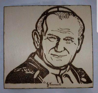 Quadro pirografato. San Giovanni Paolo Il. Papa Karol Wojtyla