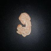 Ciondolo Madonna con bambino. Ceramica bianca
