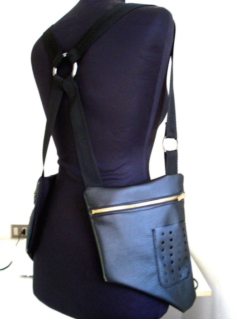 hOLSTER bAg_similpelle_anello