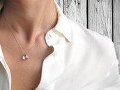 Collana quarzo rosa. Collana minimalista in filo di seta con un ciondolo in quarzo rosa. Fatto a mano