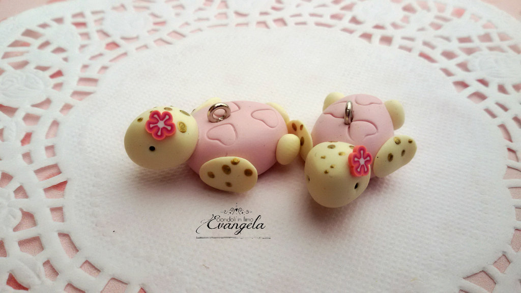 Baby Tartaruga rosa ciondolo fimo fatto a mano kawaii minuteria charms bigiotteria bomboniere