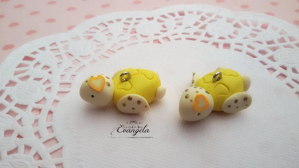 Baby Tartaruga giallo ciondolo fimo fatto a mano kawaii minuteria charms bigiotteria bomboniere