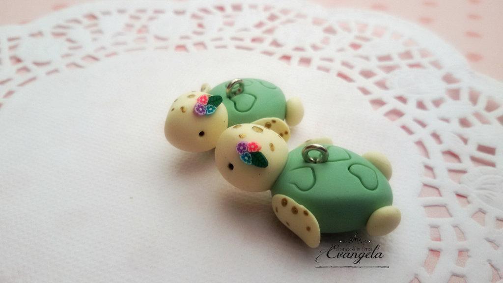 Baby Tartaruga verde ciondolo fimo fatto a mano kawaii minuteria charms bigiotteria