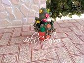 un cactus amigurumi