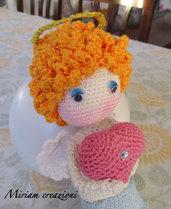 Cupido con cuore Amigurumi