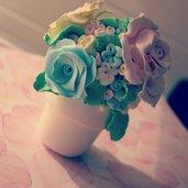 Piantina rose e fiori fatta interamente a mano