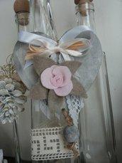 CUORE IN LEGNO decorato con fiore in panno