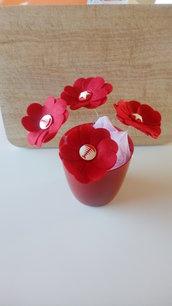 Vaso fiori rossi