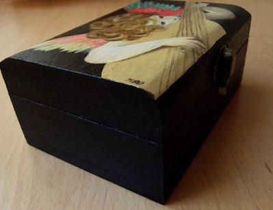 Dipingere Portagioie Di Legno : Pittura su contenitori in legno scrigni decorati a rilievo o