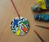 Ciondolo HARING. Ciondolo in legno dipinto a mano. Collana con ciondolo in legno. Street Art. Keith, Haring. Idea Regalo
