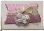 """Bomboniera """" Pillow"""" ideale per ogni occasione abbellita da un gessetto Farfalla o Fiore"""