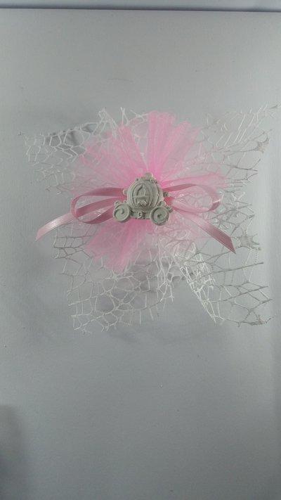 Carrozza principesse gesso ceramico su doppio velo rete
