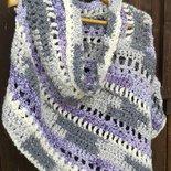 poncho lana bouclè uncinetto nuovo fatto a mano