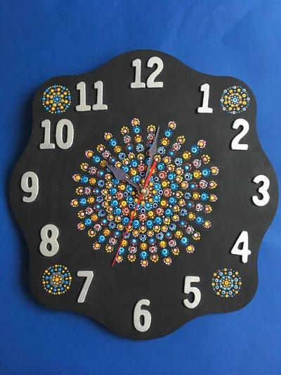 Orologio da parete in legno con mandala