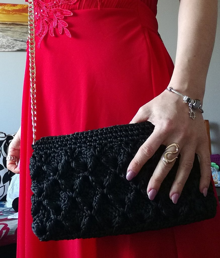 Pochette nera a fatta a mano, pochette a diamante ad uncinetto in cordino e struttura in rete