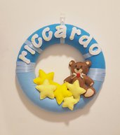 Fiocco nascita personalizzabile a forma di ghirlanda con orso e stelle, Regalo nascita.