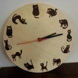Orologio da parete con gattini pirografati