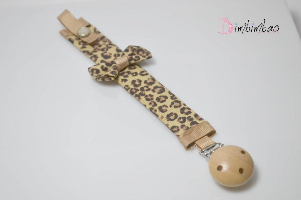 portaciuccio portasucchietto catenella neonato ciuccio stoffa fai da te con clips in legno