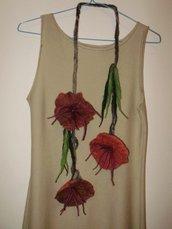 Collana o cinturino di fiori in lana infeltrita a mano