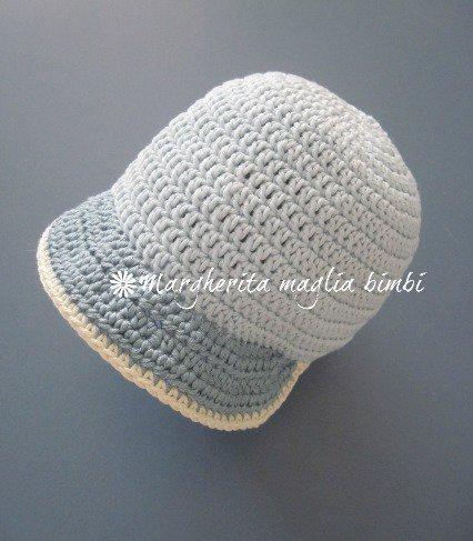 Cappellino neonato/cappello bambino con visiera - puro cotone celeste - uncinetto - fatto a mano