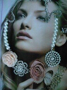 collana con perle e rose