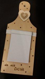 """tagliere in legno con notes """"la mia cucina"""""""