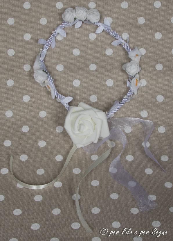 Coroncina con fiori da cerimonia