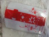 10 bustine plastica bianche con riga e fiori rossi 15x9 cm.