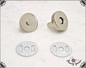 Chiusura a calamita per borse, Ø 18 mm, in metallo colore argento, facile applicazione con alette