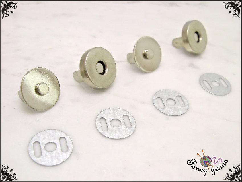 2 Chiusure a calamita per borse, Ø 18 mm, in metallo colore argento, facile applicazione con alette