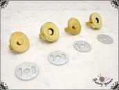2 Chiusure a calamita per borse, Ø 18 mm, in metallo colore oro, facile applicazione con alette
