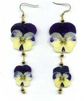 ORECCHINI pendenti con due viole del pensiero bicolore vere essiccate e plastificate