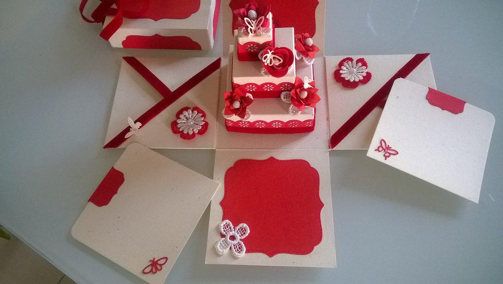 Explosion box Martimonio rosso con farfalle, biglietto regalo porta soldi e auguri
