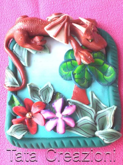 Ciondolo con drago e farfalla
